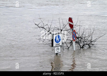 Extreme weather: Flooded pedestrian zone in Cologne, Germany - Stock Photo