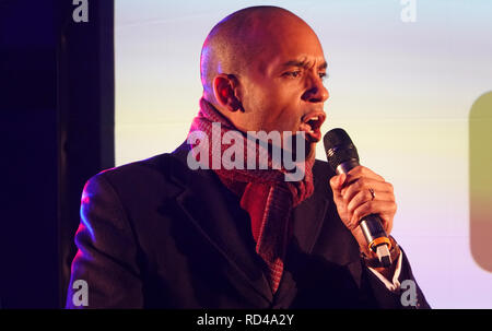Parliament Square, London, UK, 15th January 2019. Chuka Umunna MP, joins politicians and celebrities on stage to deliver a speech at second 'People's Vote' referendum rally, moments before MPs vote down Theresa May's Brexit Withdrawal Agreement deal, the largest government defeat in British history. Credit: Alamy Live News / Andrew Stehrenberger - Stock Photo