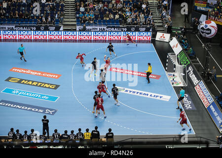 Berlin, Deutschland. 15th Jan, 2019. Overview with Serbia in attack, Action, Overview, preliminary round Group A, Serbia (SRB) - Korea (COR) 31:29, on 15.01.2019 in Berlin/Germany. Handball World Cup 2019, from 10.01. - 27.01.2019 in Germany and Denmark. | Usage worldwide Credit: dpa/Alamy Live News - Stock Photo
