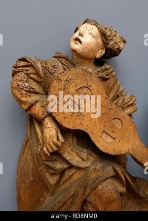 Angels playing viola and lute, view 3, probably Upper Rhine, c. 1490, linden wood - - Stock Photo