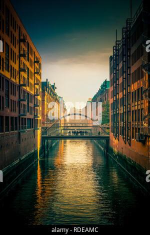 Deutschland, Hamburg, Elbe, Hafen, Speicherstadt, Hafencity, Sandbrücke - Stock Photo