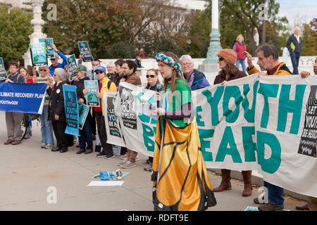 September 10th, 2018, Washington DC: Protesters rally in front of the US Supreme Court building in support of 'Let The Youth Be Heard' movement - Stock Photo