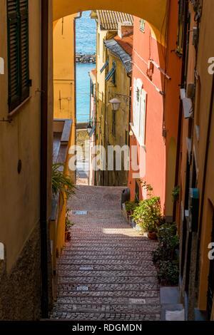 Steile Gasse in Cervo, Riviera di Ponente, Liguria, Italy - Stock Photo