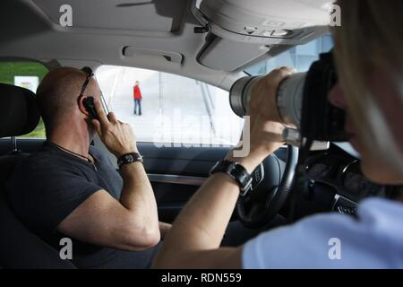 Operational rehearsal, mobile task force of the special police unit, criminal surveillance, North Rhine-Westphalia - Stock Photo