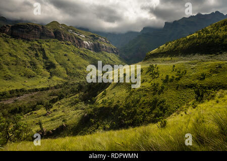 Mountain views on the Thukela hike to the bottom of the Amphitheatre's Tugela Falls in the Royal Natal National Park, Drakensberg, South Africa - Stock Photo