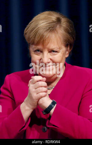 Rostock, Germany. 19th Jan, 2019. Chancellor Angela Merkel (CDU) thanks the party members at the state party conference of the CDU Mecklenburg-Western Pomerania after her speech. The CDU Mecklenburg-Western Pomerania will meet in the city hall for their 34th state party conference. Credit: Danny Gohlke/dpa/Alamy Live News - Stock Photo