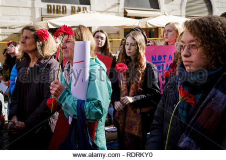 Rome, Italy. 19th Jan, 2019. Rome, 19th of January 2019. People gather in Rome for the second anniversary of the Women's March on Washington, which brought together millions of people around the world after Donald Trump's swearing in as President of the USA. Credit: Federico Fazzini/Awakening/Alamy Live News - Stock Photo