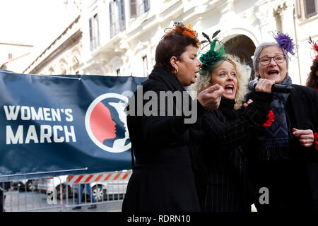 Rome, Italy. 19th Jan, 2019. Women singing Rome January 19th 2019. Women's March Rome, march of solidarity for the civil rights and civil rights for women, organized by the American community of Rome, simultaneously with the women's march that take place worldwide on January 19th. Foto Samantha Zucchi Insidefoto Credit: insidefoto srl/Alamy Live News - Stock Photo