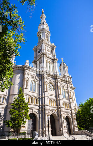 Cathedral of the Blessed Sacrament in downtown Sacramento, California Stock Photo