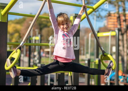 Young woman stretches into the splits Stock Photo: 275932724 - Alamy