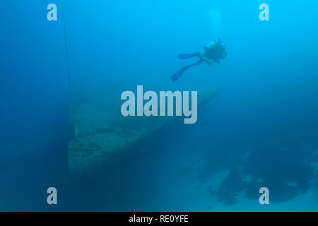 Diver at the shipwreck Hilma Hooker, Bonaire, Netherlands Antilles, Caribbean sea. Photo Vanessa Devolder - Stock Photo
