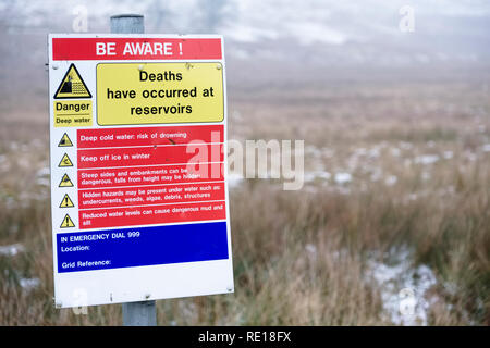 Reservoir deaths safety danger sign at deep water countryside park - Stock Photo