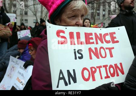 New York City, New York, USA. 19th Jan, 2019. The Women's March Alliance co-hosted a separate rally with the New York Immigration Coalition in Foley Square on 19 January, 2019. The rally by the controversial organization drew thousands and featured appearances by U.S. Rep. Alexandria Ocasio-Cortez (D-Queens) and American feminist, journalist, and social political Gloria Steinem. Credit: G. Ronald Lopez/ZUMA Wire/Alamy Live News - Stock Photo