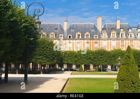 Place des Vosges, Le Marais district, Paris, France, Europe - Stock Photo
