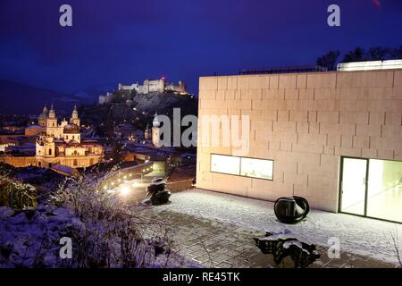 Museum der Moderne museum, Mt. Moenchsberg, view of the old town with the Kollegienkirche church, the cathedral and Festung - Stock Photo