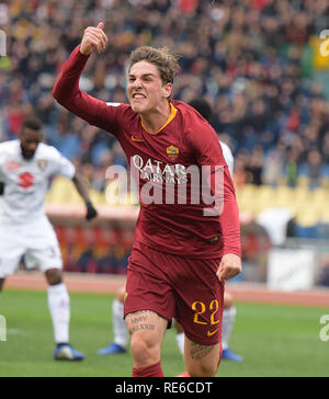 Rome, Italy. 19th Jan, 2019. AS Roma's Nicolo Zaniolo celebrates his goal during the Serie A soccer match between AS Roma and Torino in Rome, Italy, Jan.19, 2019. AS Roma won 3-2. Credit: Alberto Lingria/Xinhua/Alamy Live News - Stock Photo