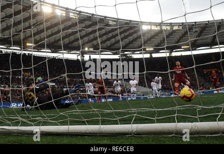 Rome, Italy. 19th Jan, 2019. AS Roma's Aleksandar Kolarov scores his goal during the Serie A soccer match between AS Roma and Torino in Rome, Italy, Jan.19, 2019. AS Roma won 3-2. Credit: Alberto Lingria/Xinhua/Alamy Live News - Stock Photo