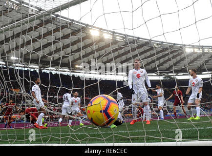 Rome, Italy. 19th Jan, 2019. AS Roma's Nicolo Zaniolo scores his goal during the Serie A soccer match between AS Roma and Torino in Rome, Italy, Jan.19, 2019. AS Roma won 3-2. Credit: Alberto Lingria/Xinhua/Alamy Live News - Stock Photo
