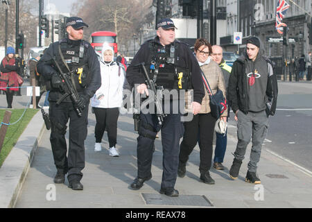 London UK. 21st January 2019. Armed Police officers  in Westminster on the day  Prime Minister Theresa May prepares to deliver her Brexit  Plan B  to Parliament Credit: amer ghazzal/Alamy Live News - Stock Photo