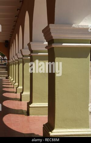 Historic town Dolores Hidalgo, colonnade, Province of Guanajuato, Mexico - Stock Photo
