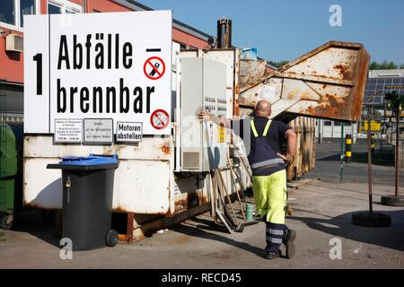 Recycling compound of the Gelsendienste, Gelsenkirchens public utility company, North Rhine-Westphalia - Stock Photo