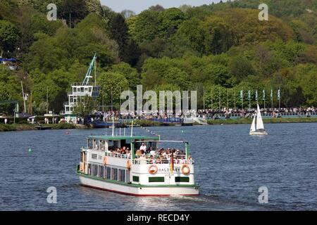 Excursion boats of the Weisse Flotte fleet on the regatta route on the Baldeneysee storage lake, river Ruhr, Essen - Stock Photo