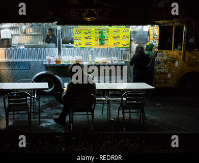 Taco truck serving late-night food in Los Angeles, California. - Stock Photo