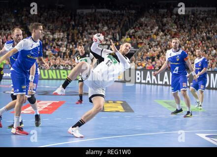 Cologne, Deutschland. 19th Jan, 2019. Sprungwurd Hendrik PEKELER (GER), action, goal throw, main round Group I, Germany (GER) - Iceland (ISL) 24 - 19, on 19.01.2019 in Koeln/Germany. Handball World Cup 2019, from 10.01. - 27.01.2019 in Germany/Denmark. | usage worldwide Credit: dpa/Alamy Live News - Stock Photo