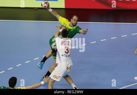 firo: 21.01.2019, Handball: World Cup World Cup Main Round Brazil- Spain duels Teixeira versus Martimez (ESP) front | usage worldwide - Stock Photo