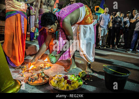 Medan, North Sumatra, Indonesia. 22nd Jan, 2019. Indonesian Hindu Tamil light the holy fire for god Muruga to prayed her offering during the celebration of the Thaipusam festival at the Sri Soepramaniem Ngarattar Temple, in Medan on January 21, 2019, Indonesia. The celebration of Thaipusam is a great day of the god Muruga defeating the great giant who oppresses his people on earth, which is a self-sacrifice of those who vow to pay intentions as a form of prosperous health and life as a sacrifice to god Muruga, Tamil Mahendra Mohan said. Credit: Albert Ivan Damanik/ZUMA Wire/Alamy Live News - Stock Photo