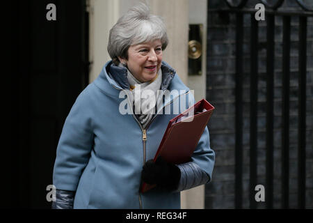 London, UK. 21st Jan, 2019. British Prime Minister Theresa May leaves 10 Downing street for the House of Commons, in London, UK, Jan. 21, 2019. May said on Monday that she would not back a no-deal Brexit or delay the country's departure from the European Union (EU). May made the remarks while addressing lawmakers in the House of Commons to outline her latest proposals for UK's departure from EU. Credit: Tim Ireland/Xinhua/Alamy Live News - Stock Photo
