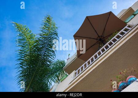 Residential area in suburban Los Angeles, California. - Stock Photo