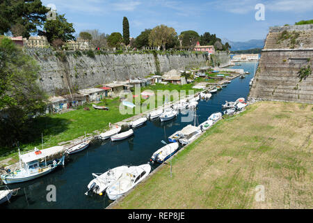 The old Fortress, Corfu town, Greece. The Contrafossa canal that connecting the Gulf of Kerkyra with the Bay of Garitsa. - Stock Photo