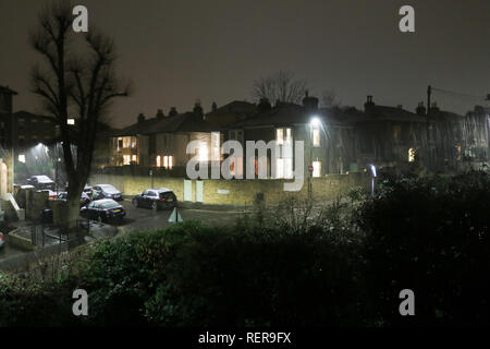 London UK. 22nd January 2019. First snowfall seen in Wimbledon this evening as temperatures drop to freezing Credit: amer ghazzal/Alamy Live News - Stock Photo