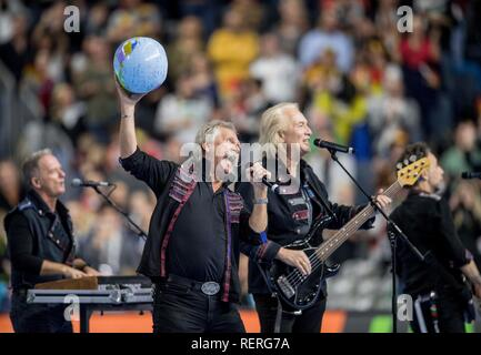 Henning with a performance before the SPiel, with singer Henning KRAUTMACHER main round group I, Croatia (CRO) - Germany (GER), on 21.01.2019 in Koeln / Germany. Handball World Cup 2019, from 10.01. - 27.01.2019 in Germany / Denmark. | usage worldwide - Stock Photo