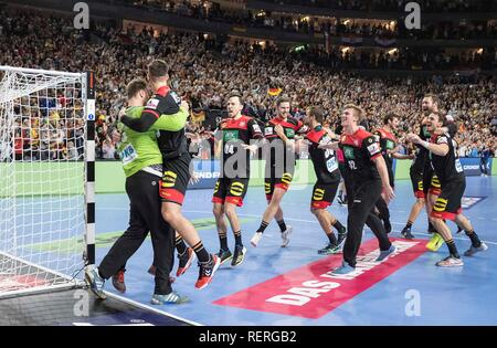 Cologne, Deutschland. 22nd Jan, 2019. final jubilation Team GER, left to right goalkeeper Andreas WOLFF (GER), Fabiab WIEDE (GER), Patrick GROETZKI (GER), Hendrik PEKELER (GER), Fabian BOEHM (Bohm, GER) Main Round Group I, Croatia (CRO) - Germany (GER), on 21.01.2019 in Koeln/Germany. Handball World Cup 2019, from 10.01. - 27.01.2019 in Germany/Denmark. | usage worldwide Credit: dpa/Alamy Live News - Stock Photo