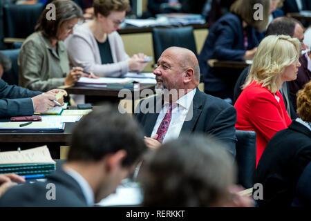 Berlin, Germany. 19th Oct, 2018. Harry Glawe (CDU), Economics Minister of Mecklenburg-Western Pomerania, in the Bundesrat. Credit: Jens Büttner/dpa-Zentralbild/dpa/Alamy Live News - Stock Photo