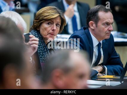 Berlin, Germany. 19th Oct, 2018. Malu Dreyer (SPD), Prime Minister of Rhineland-Palatinate, in the Bundesrat. Credit: Jens Büttner/dpa-Zentralbild/ZB/dpa/Alamy Live News - Stock Photo