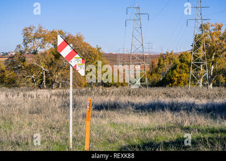 December 12, 2017 Livermore / CA / USA- Warning Gas Pipeline marker in east San Francisco bay - Stock Photo
