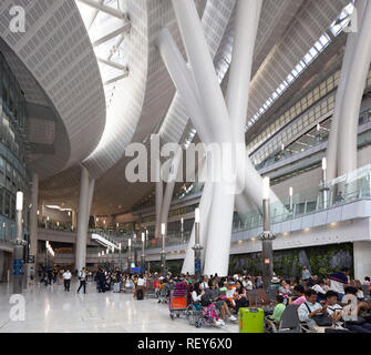 International departure area. West Kowloon Station, Hong Kong, China. Architect: Andrew Bromberg Aedas, 2018. - Stock Photo