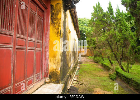 A building within the Hung To Mieu Temple Complex in the Imperial City, Hue, Vietnam - Stock Photo