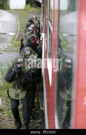 Operational exercise, training for new SWAT officers, North Rhine-Westphalia - Stock Photo