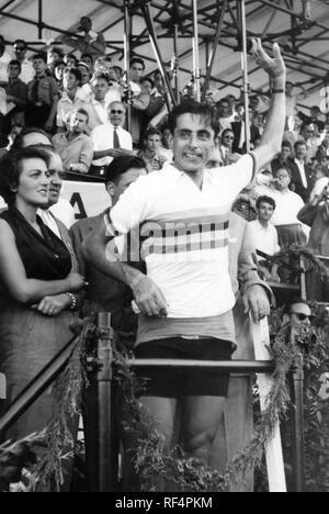 fausto coppi and giulia occhini, 1953