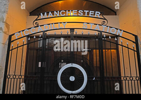 Manchester Piccadilly Station Entrance, Fairfield Street, North West England, UK, M1 2QF - Stock Photo