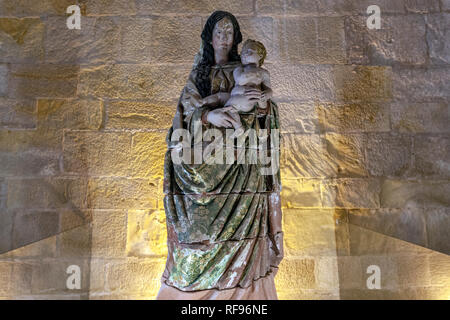 Statue Virgin Mary and child in Alcobaça Monastery, Alcobaça, Portugal - Stock Photo