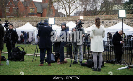 London, England, Jan 16th 2019. News media/journalists outside of British parliament - reporting on Brexit. - Stock Photo