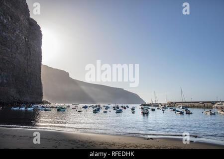Spain, Canary islands, La Gomera. Valle Gran Rey. Beach called Playa de Vueltas. Marina, port, harbour. - Stock Photo