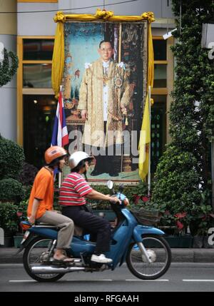 THA Thailand Bangkok Painting of King Bhumipol Adulyadej Rama IX. | - Stock Photo