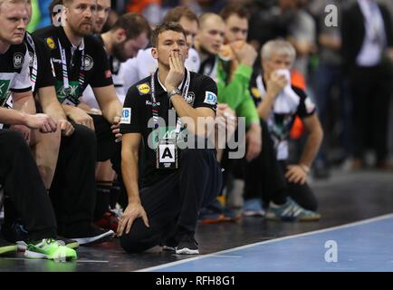 Hamburg, Deutschland. 25th Jan, 2019. firo: 25.01.2019, Handball: World Cup World Cup semi-finals Semi Final Germany - Norway gesture, Christian Prokop, | usage worldwide Credit: dpa/Alamy Live News - Stock Photo