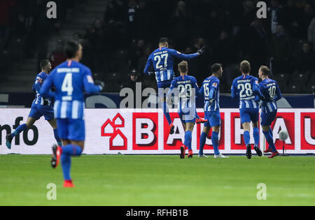 Berlin, Germany. 25th Jan, 2019. Hertha's players celebrate during a German Bundesliga match between Hertha BSC and FC Schalke 04, in Berlin, Germany, on Jan. 25, 2019. The match ended 2-2. Credit: Shan Yuqi/Xinhua/Alamy Live News - Stock Photo